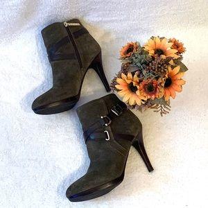 NWOB Tommy Hilfiger boots